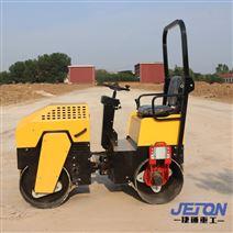 沥青路面1.7吨小型座驾式双钢轮压路机